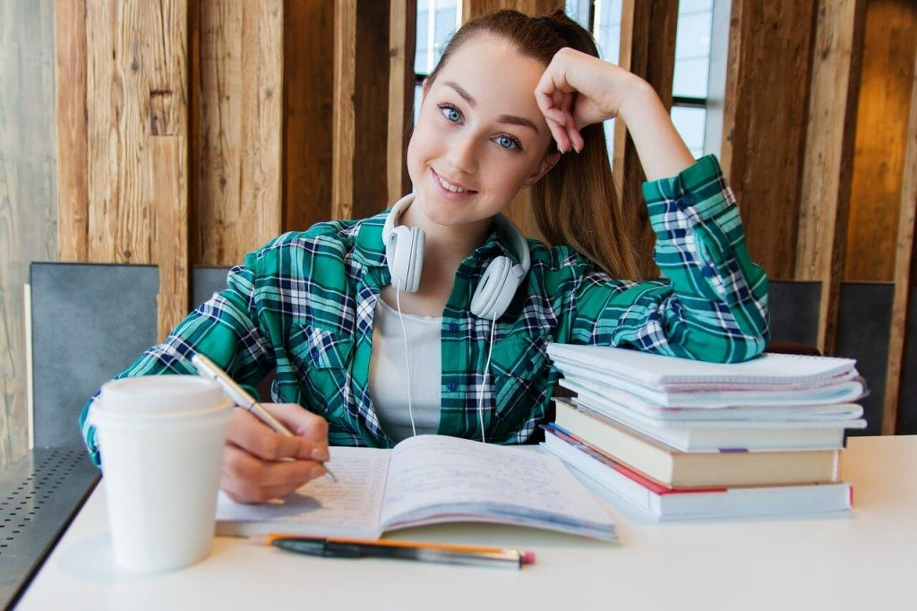 きっずゼミは、中学受験準備の低学年におススメ!学習習慣付けに最適